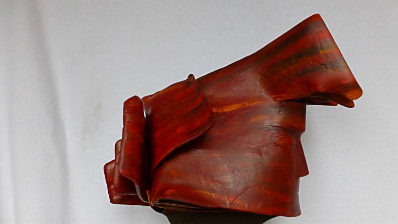 Amazone, Stahlskulptur, Maße: H:B:T: 60 x 420 x 40 cm.